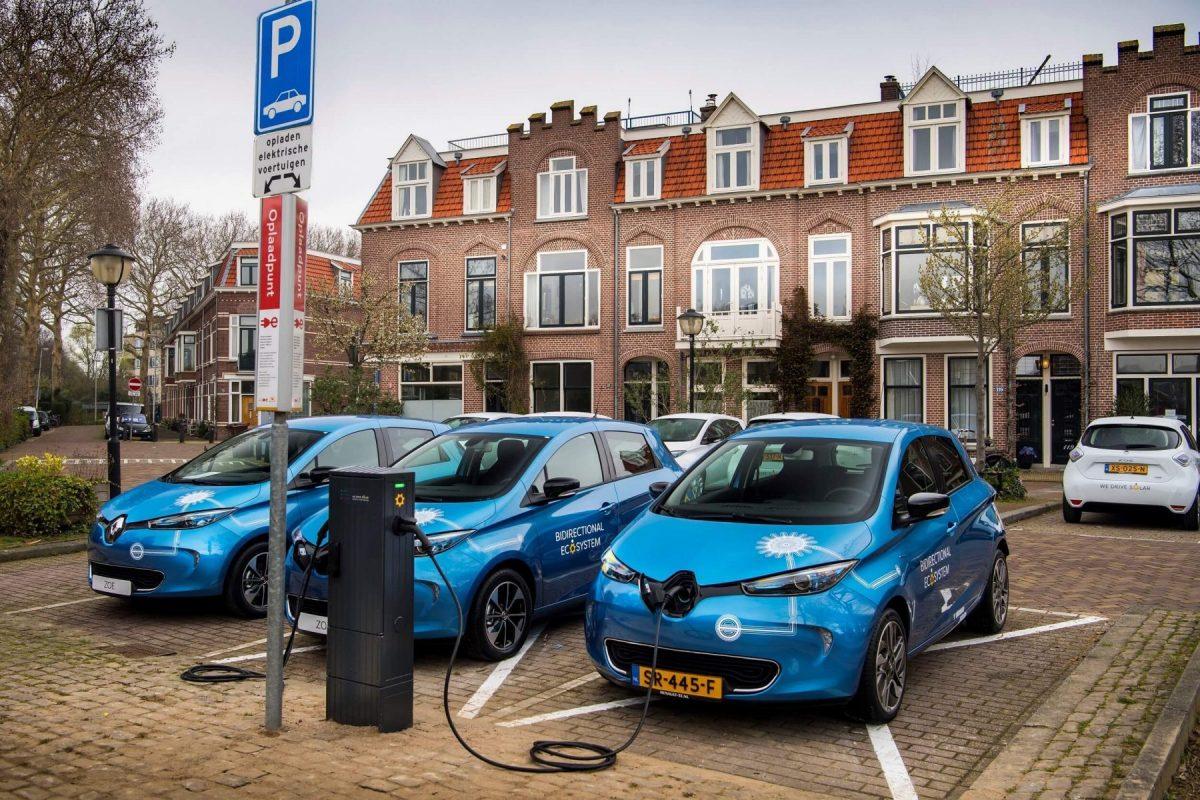 Renault prueba en Europa 15 Zoe eléctricos que devolverán energía a la red