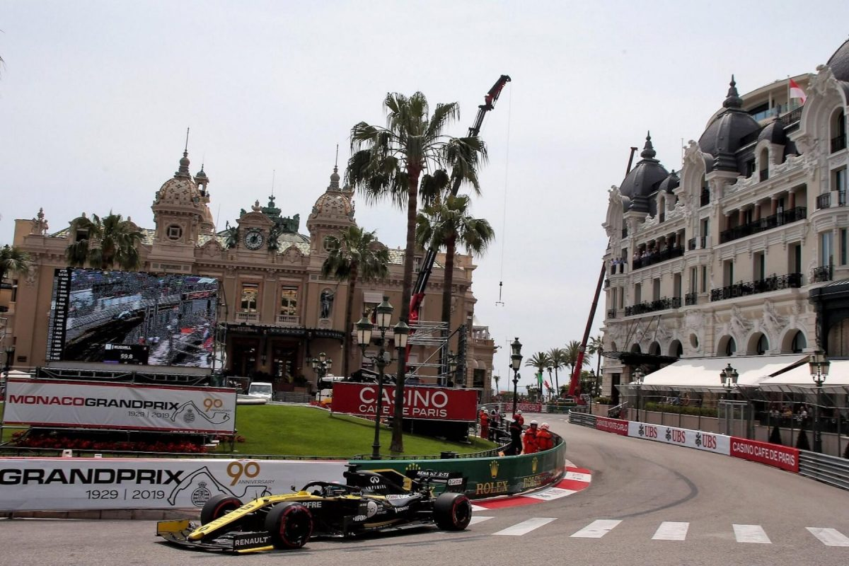 Renault F1 Team vuelve a los puntos y el auto muestra su potencial